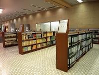 市川市生涯学習センター 館内の図書館 点字図書コーナー 2005...