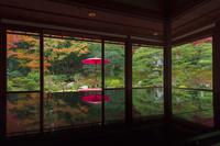 滋賀県 秋の旧竹林院