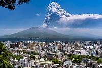 鹿児島県 桜島の噴煙(15年5月)