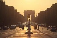 フランス パリ 黄昏時のシャンゼリゼ