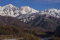 長野県 残雪の白馬三山(左より白馬鑓ヶ岳・杓子岳・白馬岳)