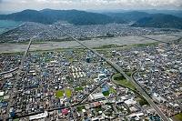東名高速道路(静岡IC)と安倍川