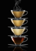 4種の紅茶と積み重なるティーカップ