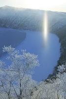 北海道 凍る摩周湖の霧氷とサンピラーとダイヤモンドダスト