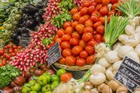 フランス パリ スーパーの野菜売場