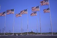アメリカ ニュージャージー フラッグ・プラザのはためく星条旗...