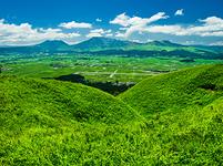 熊本県 大観峰から阿蘇平野を望む