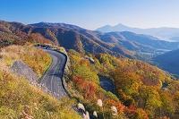 福島県 紅葉の西吾妻スカイバレーと桧原湖と磐梯山(会津富士)