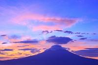 静岡県 猪之頭林道 夜明けの富士山と笠雲