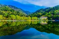 栃木県 奥日光 新緑の湯ノ湖と湯元温泉 湯の家旅館