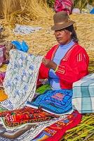 ペルー プーノ チチカカ湖 ウロス島 土産物