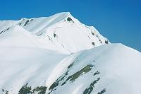 富山県 立山室堂より朝の奥大日岳