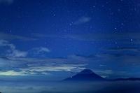 山梨県 富士山と星空