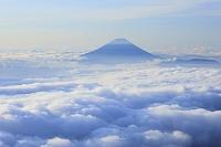 山梨県 北岳 富士山と雲海