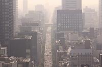 黄砂で霞む大阪市内