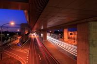 埼玉県 高架道路とバイパスの光跡夜景