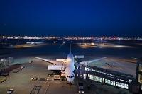 東京都 夕暮れの羽田空港