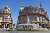 フェラーラ広場 噴水 ジェノバ イタリア