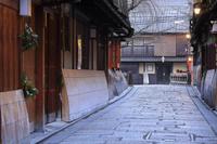 京都府 正月早朝の祇園白川の町並み
