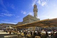 イタリア ヴェッキオ宮殿とカフェ