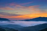 山口県 朝の山並みと雲海