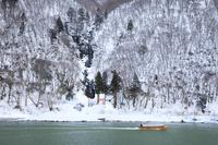 山形県 最上川と白糸の滝