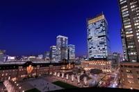 東京駅前の夜景