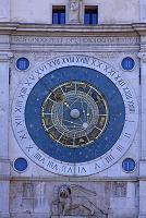 イタリア パドバ シニョーリ広場の時計塔