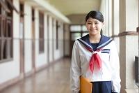 笑顔の女子高校生