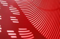 光と影 赤 縞模様
