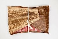 牛肉を包んだ竹皮