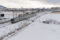 滋賀県 琵琶湖線 雪の日の普通電車