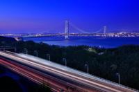 兵庫県 明石海峡大橋と神戸淡路鳴門自動車道の夜景