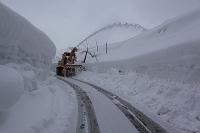 新潟県 冬の豪雪地帯 除雪車