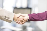 ビジネス 握手
