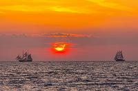 ギリシャ エーゲ海のサンセットクルーズ船