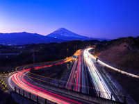 静岡県 伊豆縦貫自動車道 三島塚原ICと富士山