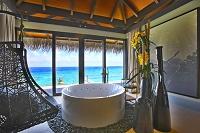 モルディブ 水上バンガローの客室