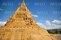 「世界一高い砂の城」 デンマークで完成