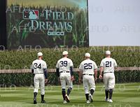 MLB:映画「フィールド・オブ・ドリームス」のロケ地で公式戦