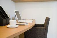 書斎机と椅子