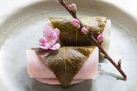 紅白の桜餅