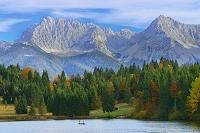 ドイツ バイエルン 山並 ヴァーゲンブリュ湖