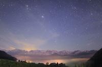 長野県 白馬村 野平 白馬連峰と星空と雲海