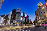 東京都 薄暮の銀座