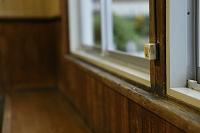 木造の待合室
