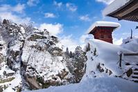 雪の立石寺 納経堂