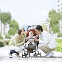 住宅街の日本人家族