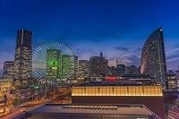 神奈川県 横浜 みなとみらいのビル群夜景