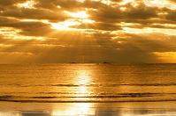 静岡県 弓ヶ浜の朝日